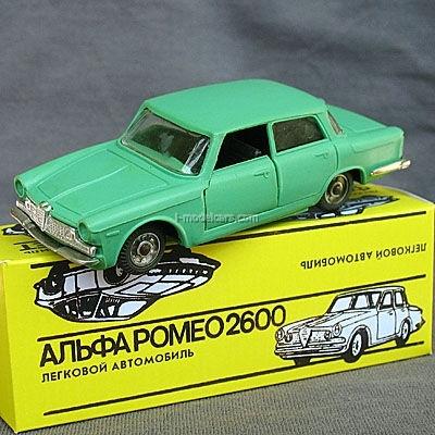 Alfa Romeo 2600 Berlina #A-4 USSR remake 1:43