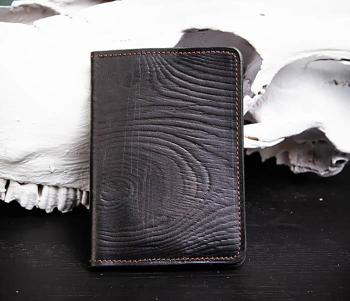 BC119-1 Обложка на паспорт из натуральной кожи с текстурой под дерево фото 01