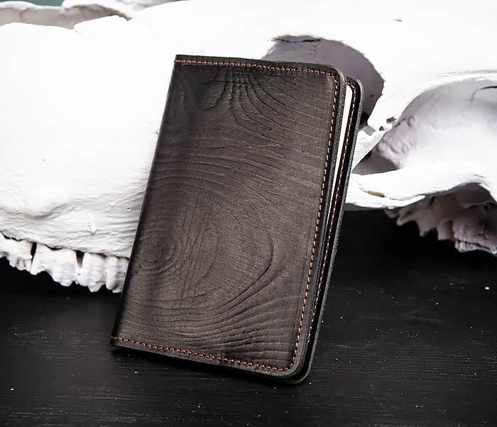 BC119-1 Обложка на паспорт из натуральной кожи с текстурой под дерево фото 02