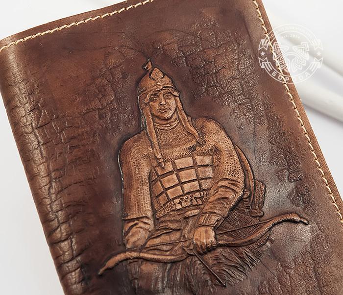 BY14-34-03 Кожаная обложка на паспорт «Алеша Попович» фото 03