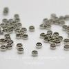 Кримпы - зажимные бусины 2х1,2 мм (цвет - никель) 2 гр (примерно 150 штук)