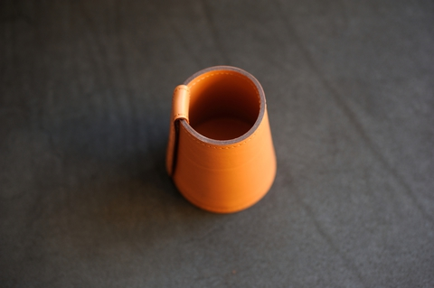 Кожаный стакан для ручек и др.канцелярии