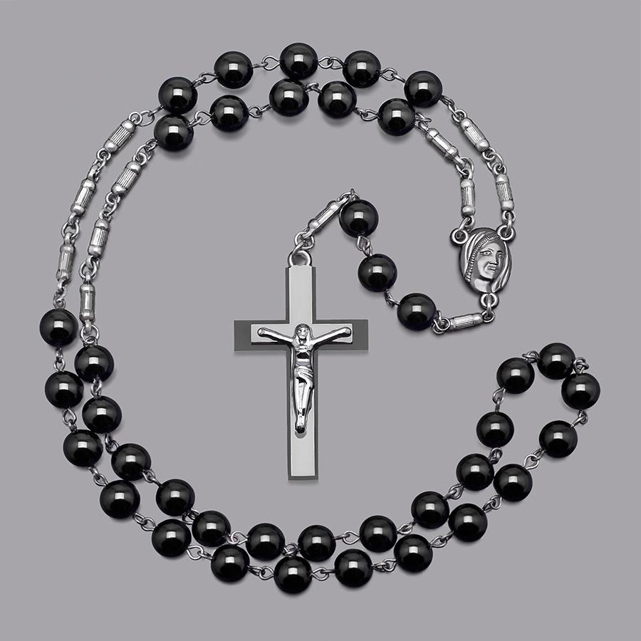 Мужские бусы с крестом