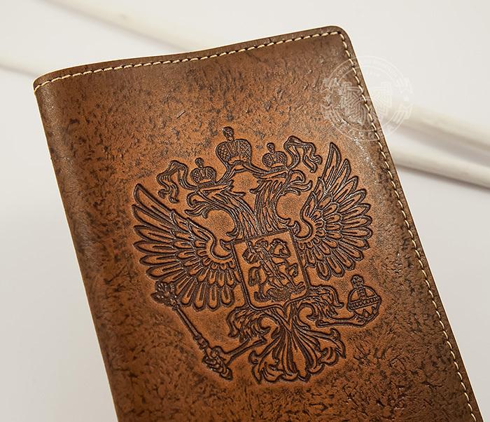 BY14-25-03 Кожаная обложка на паспорт с гербом России фото 02