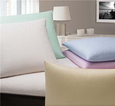 Элитная наволочка Monochrome темно-розовая от Elegante
