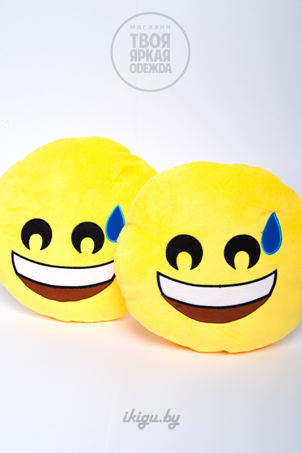 """Подушки и пледы Подушка Эмоджи """"Смеющийся"""" смеющися.jpg"""