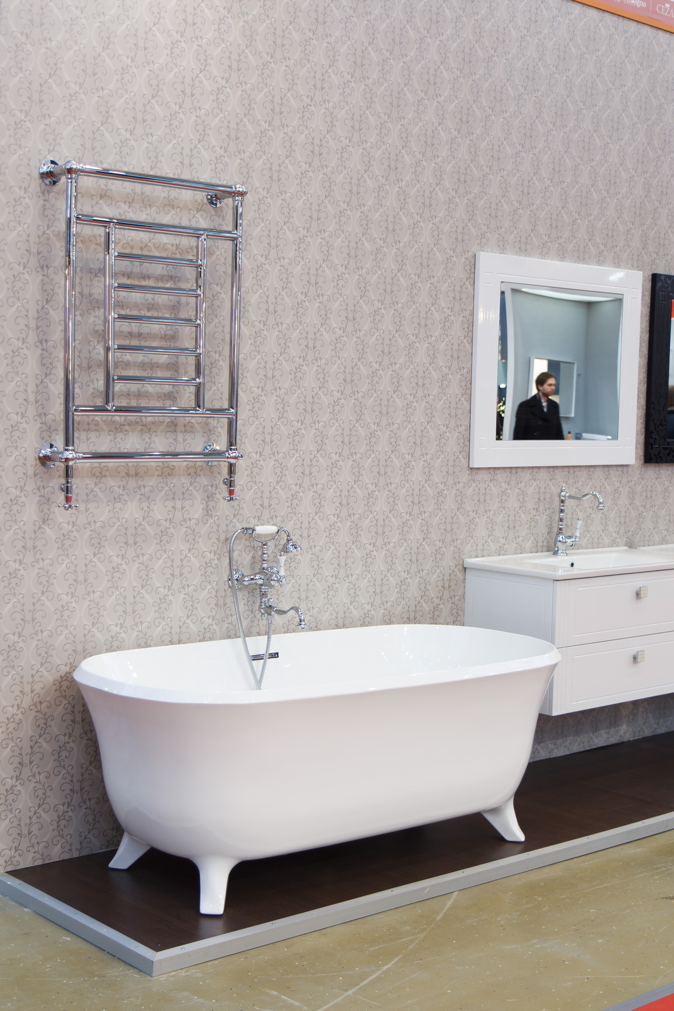 Cezares Salerno - классический полотенцесушитель в стиле ретро