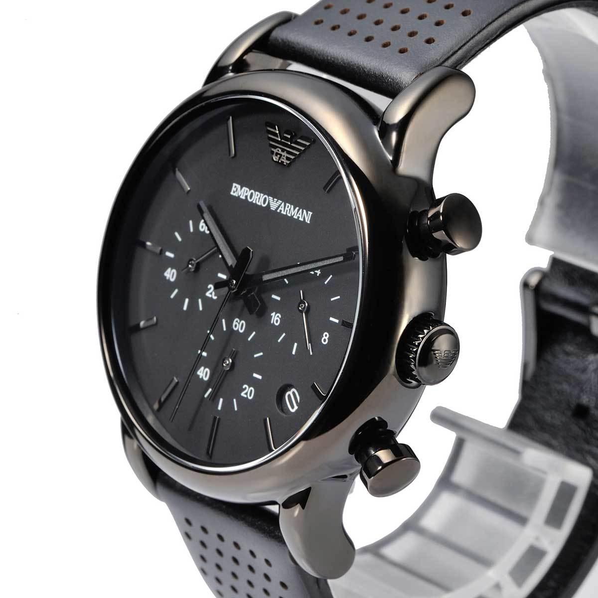 Мастерство дизайнера по достоинству оценил американский концерн fossil, в результате сотрудничества с которым были созданы первые коллекции наручных часов от armani.