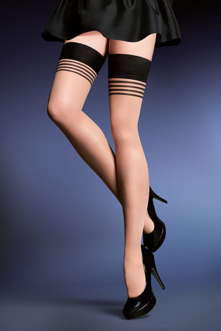 Телесные эротические чулки с гладкой широкой резинкой