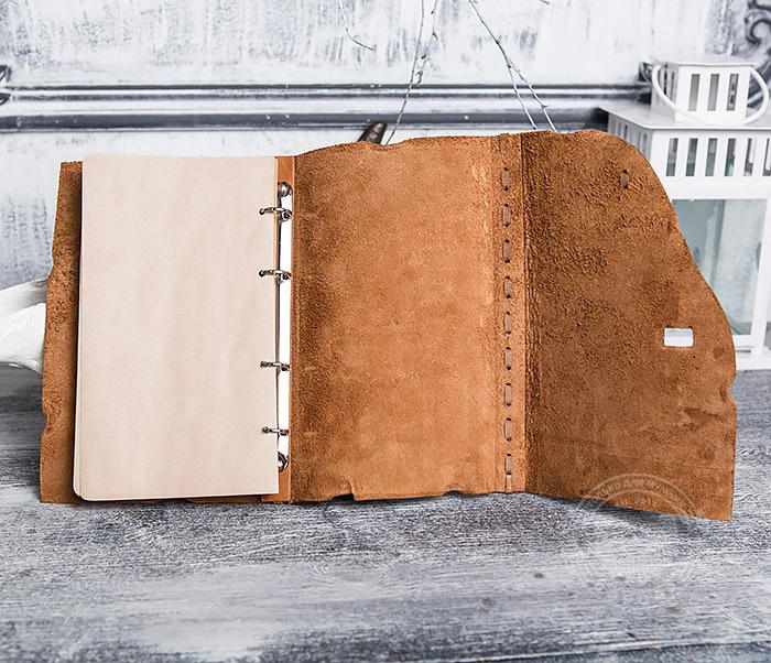 BY01-06-04 Кожаный подарочный блокнот «Добыча» с застежкой - клыком (А5) фото 09