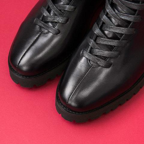 Мыс женских ботинок