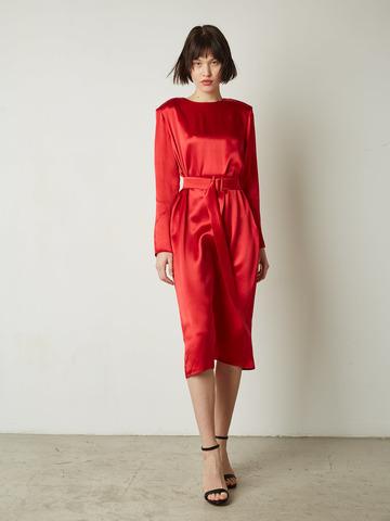 Платье на поясе красный