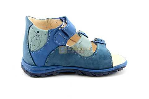 Сандалии Тотто из натуральной кожи с открытым носом для мальчиков, цвет джинс голубой. Изображение 4 из 12.