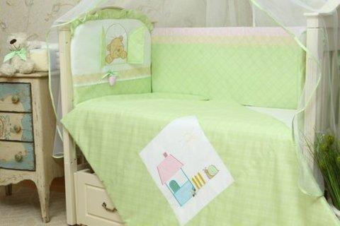 Бортики в детскую кроватку Клубничка зеленый