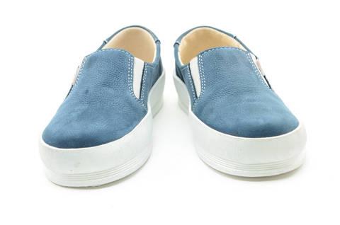 Слипоны на толстой подошве кожаные Лель (LEL) для девочек, цвет темно синий. Изображение 5 из 14.