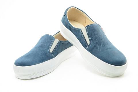 Слипоны на толстой подошве кожаные Лель (LEL) для девочек, цвет темно синий. Изображение 8 из 14.