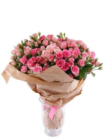 Букет кустовых роз Мон Амур
