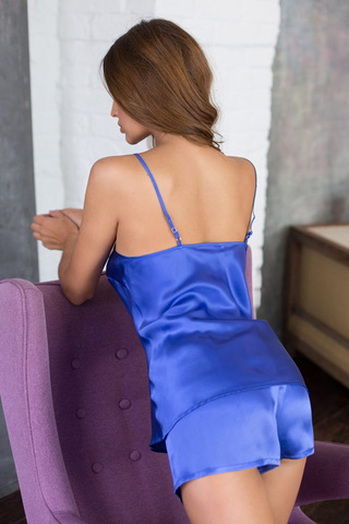 Шелковая пижама женская с шортами синяя