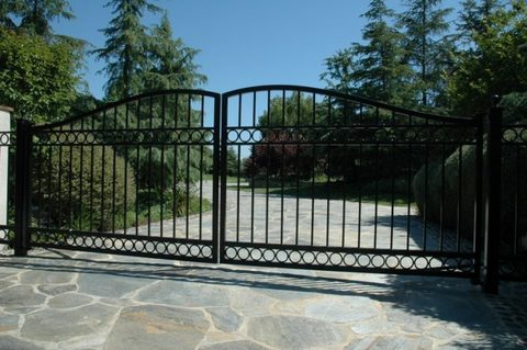 Распашные кованые ворота N-7