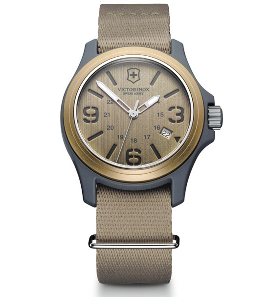 Часы наручные кварцевые, Beige Victorinox (241516)