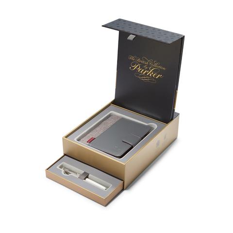 Подарочный набор Parker: Перьевая ручка Parker Sonnet Metal & Pearl CT с блокнотом и органайзером