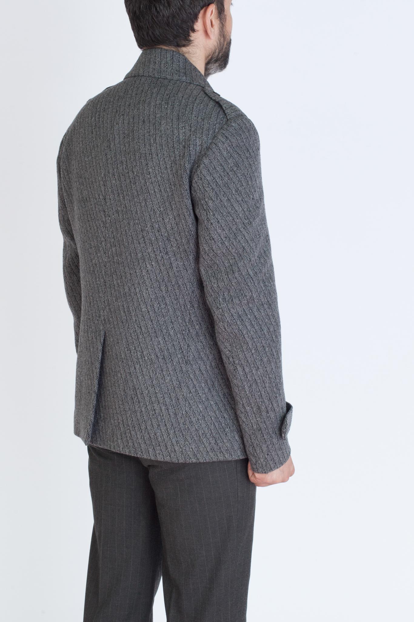 Серый короткий бушлат в полоску из смеси шерсти, хлопка и синтетики