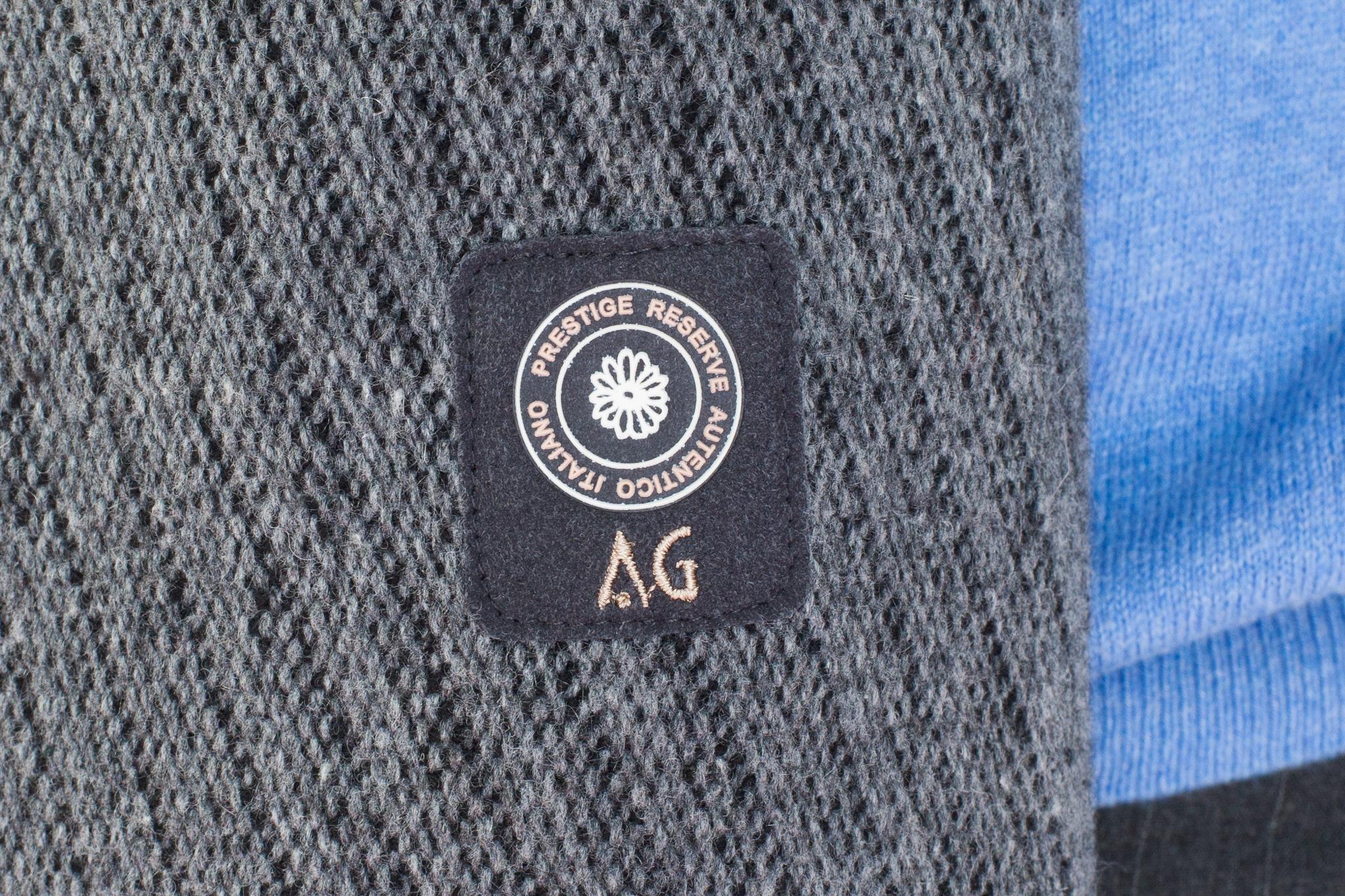 Серый короткий бушлат в полоску из смеси шерсти, хлопка и синтетики, логотип