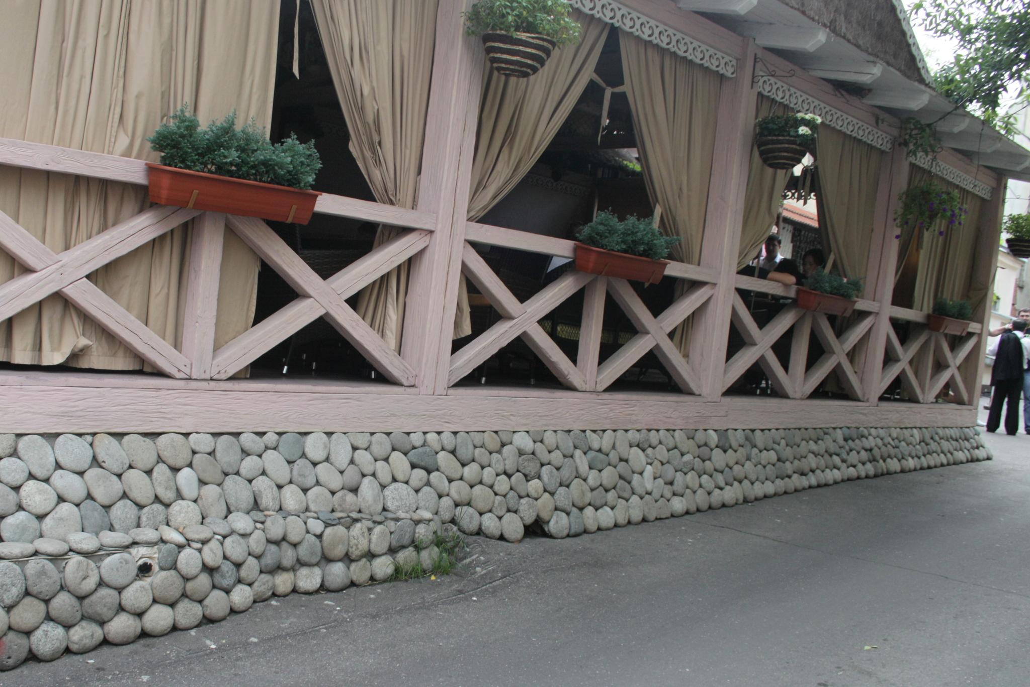 Булыжник отборный плоский Светло-серый облицовка цоколя