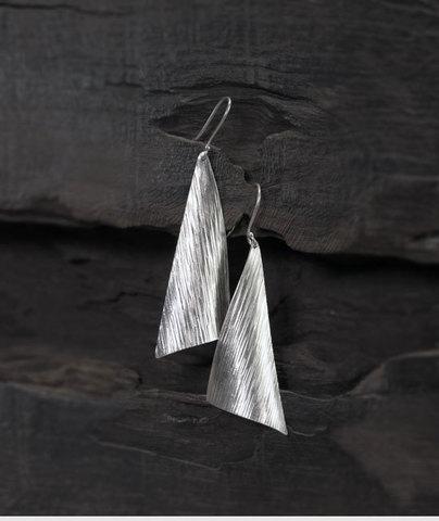 Серебряные серьги I Want