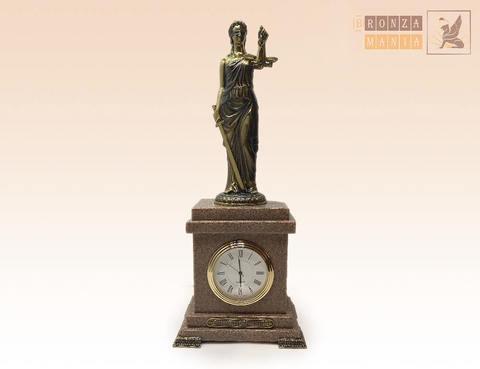 часы Фемида - богиня Правосудия гранит