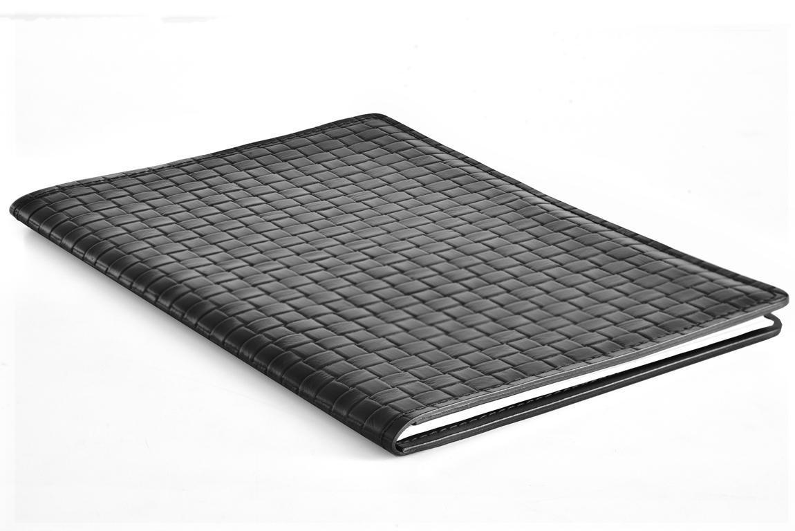 черный кожаный сккетчбук А4