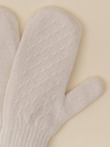 Женские варежки молочного цвета из 100% кашемира - фото 2