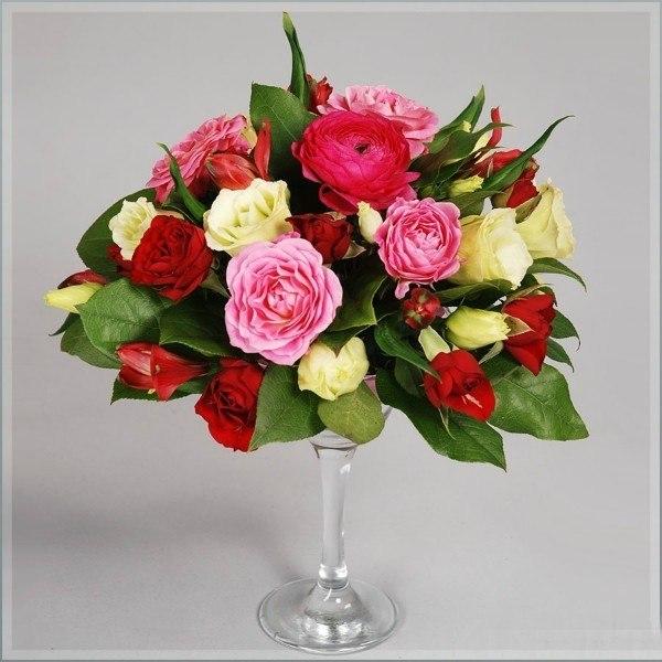 живые цветы на мартинках Алматы 6000 тг