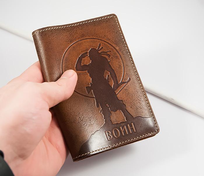 BY14-02-06 Оригинальная обложка на паспорт «Воин», натуральная кожа фото 04