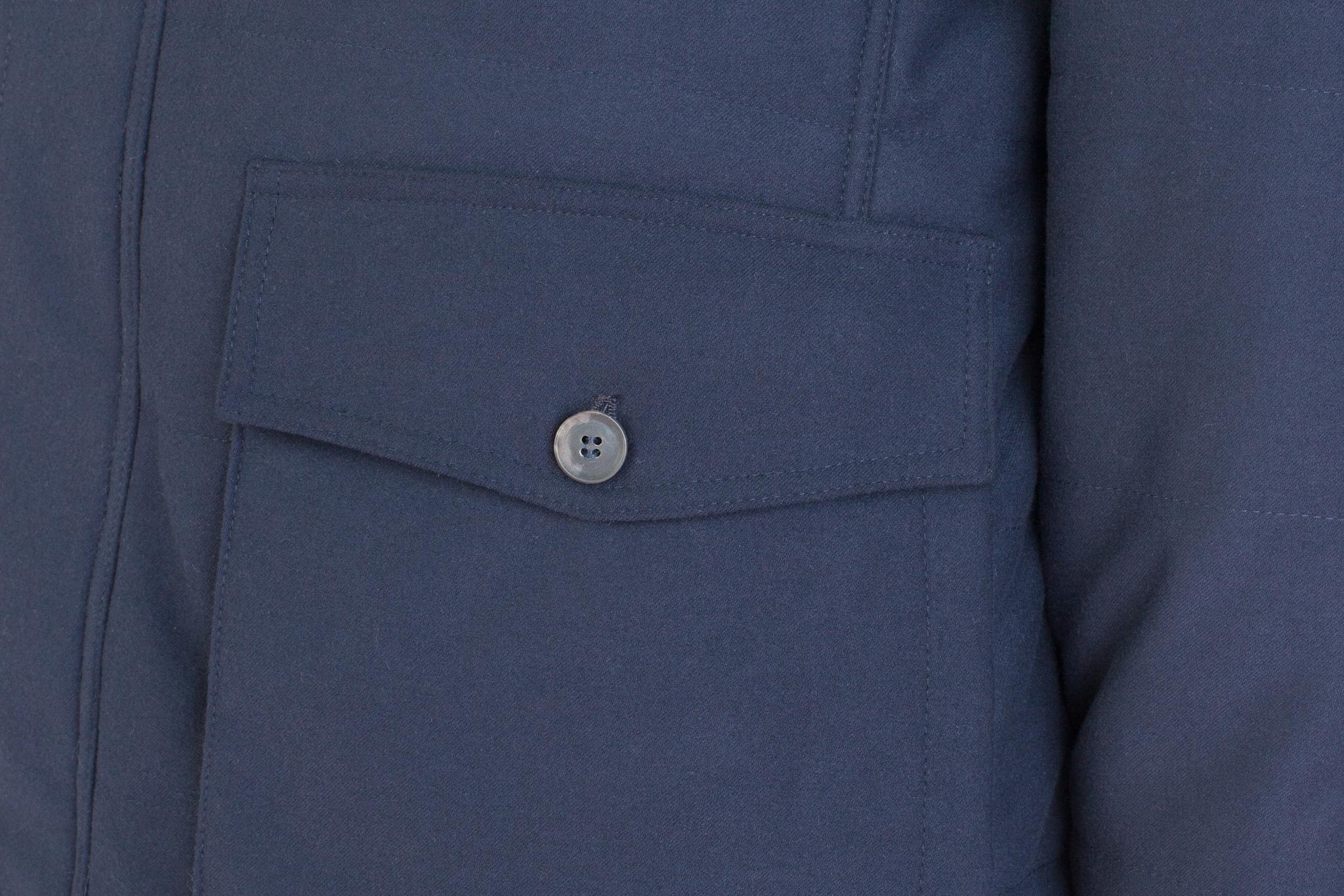 Тёмно-синяя шерстяная куртка, накладной карман