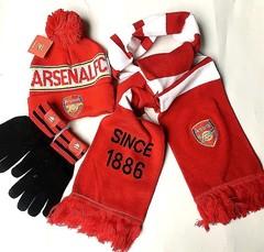 Комплект вязанная шапка с помпоном, шарф и перчатки с логотипом ФК Арсенал (Arsenal) красный