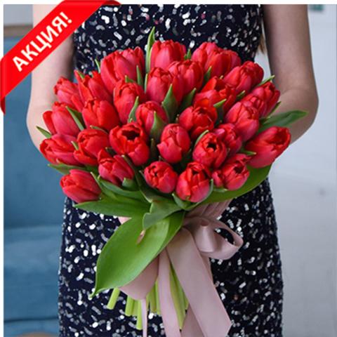 Букет 35 красных тюльпанов