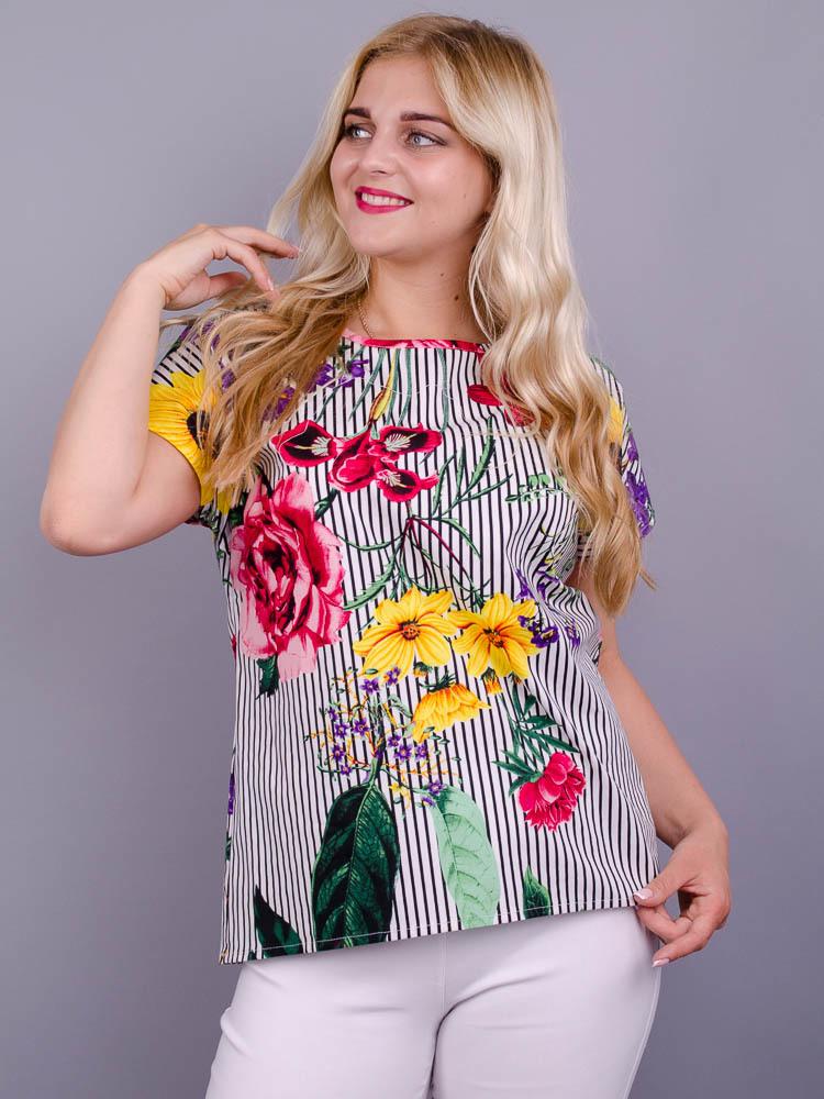 Гала. Повсякдненна блуза плюс сайз. Квітка велика.