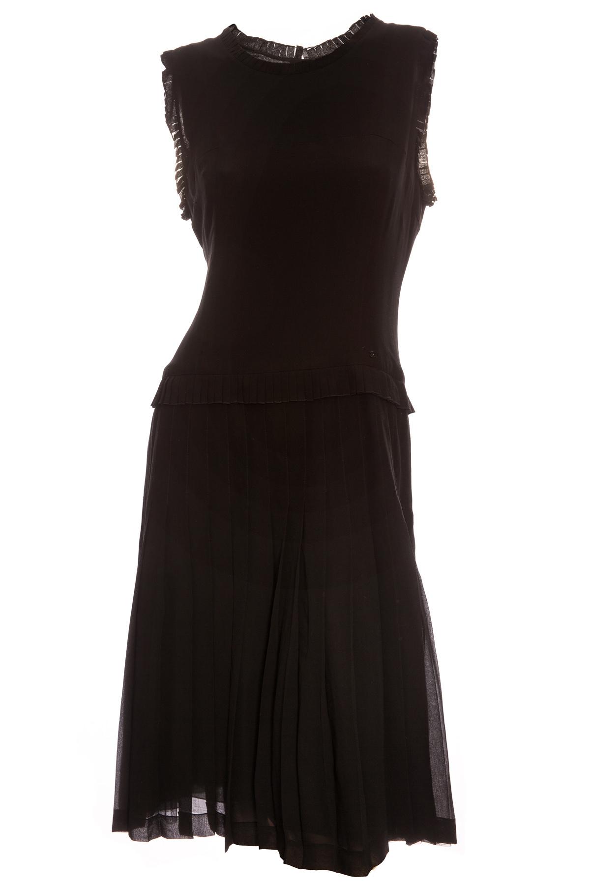 Элегантное чёрное шёлковое платье от Chanel, 44 размер
