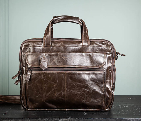 Мужской коричневый кожаный портфель с ремнем