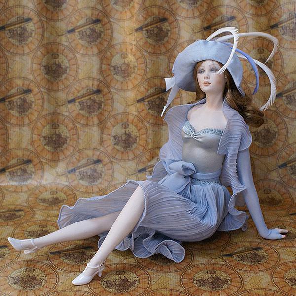 Кукла фарфоровая коллекционная Marigio Lidia 39 см в лиловом