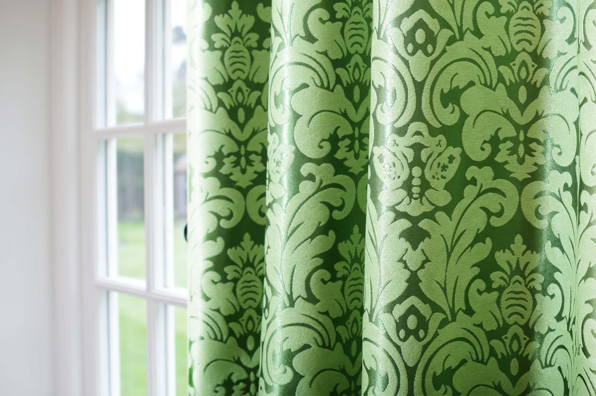 Венеция (зеленый) .Готовая штора блэкаут жаккард с шинилом в стиле дамаск.