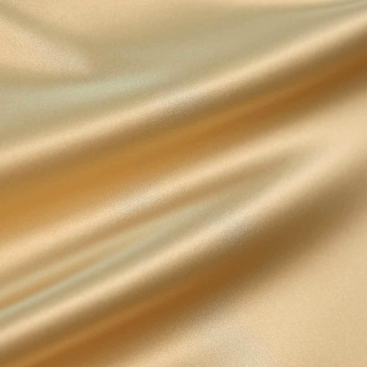 Кремово-бежевый шелк