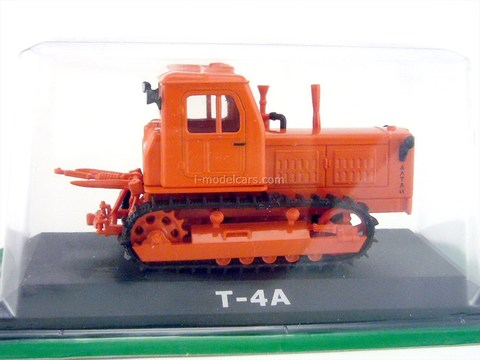 Tractor T-4A red 1:43 Hachette #17
