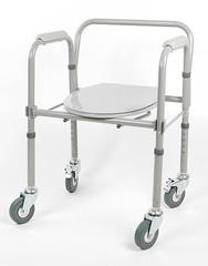 Кресло-туалет складной на колесах 10581Са
