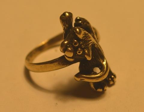 Тонкое интересное милое кольцо