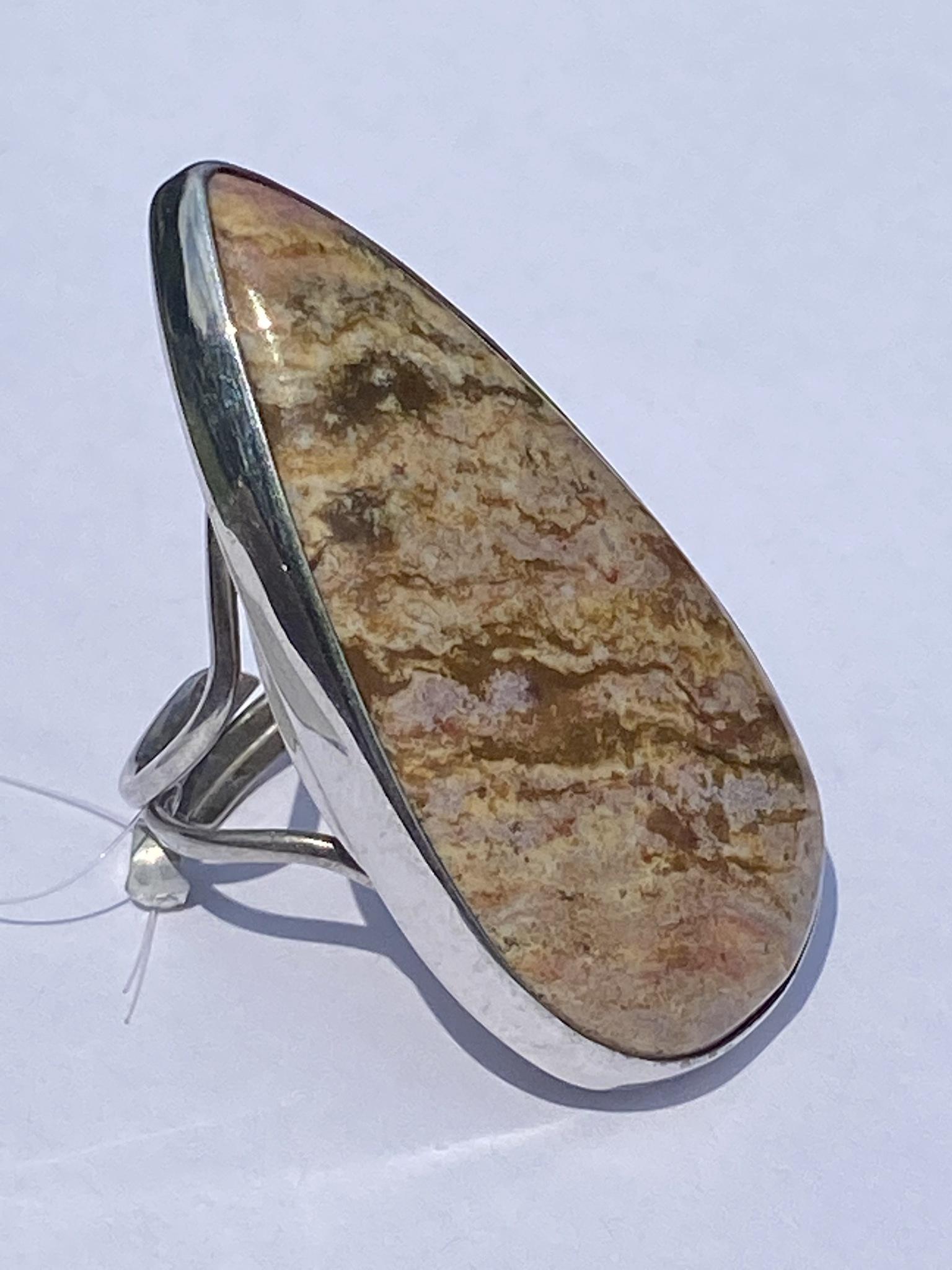 Агат груша (кольцо из серебра)