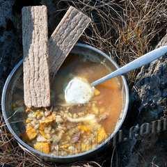 Рассольник с потрошками 'Каша из топора' готовое блюдо. Расфасован в ПЭТ банки по 220г - 6-9 порций