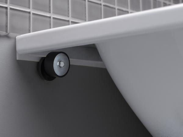 Крепление для пристенной установки со звуковой изоляцией