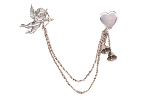 Брошь-шатлен «Купидон» от Coro  |  Cupid and Heart Coro Chatelaine Brooch